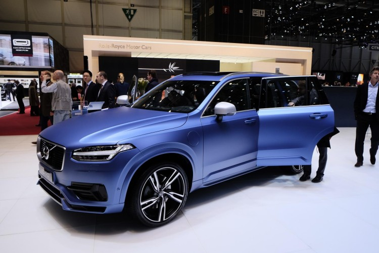 volvo xc90 specifications with Volvo R Design Plug In Hybrid Xc90 on 2017 additionally Plug In Volvo Xc60 T8 Enters U S Next Month With 10 4 Kwh Battery furthermore 2015 Ford Mustang Gt Review No Longer One Trick Pony Video together with Volvo R Design Plug In Hybrid Xc90 moreover 2008 Volvo S60.